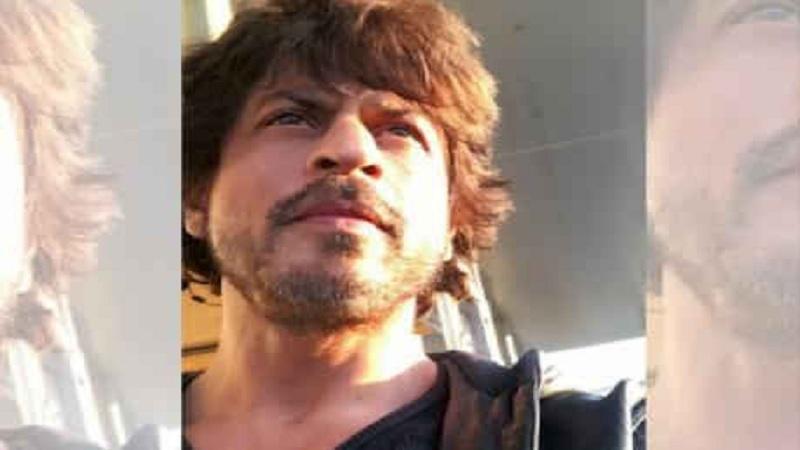शाहरूख खान सध्या झीरो सिनेमात बिझी आहे. कतरिना आणि अनुष्कासोबतच्या या सिनेमाचं शूटिंग संपलंय आणि आता पोस्ट प्राॅडक्शनचं काम सुरू आहे.