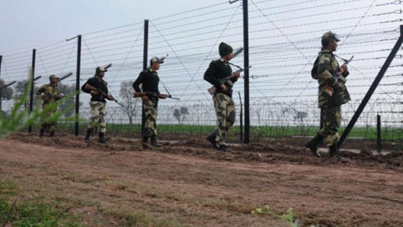 काश्मीरमध्ये चकमकीत मेजरसह 4 जवान शहीद, 4 दहशतवादी ठार