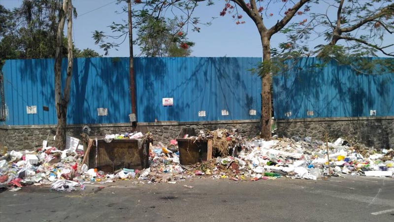 पुण्यातील कचराकोंडीचा प्रश्न वाऱ्यावर, लोकप्रतिनिधी परदेश दौऱ्यावर