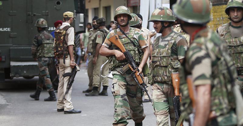 काश्मीरमध्ये दहशतवाद्यांचा कॅश व्हॅनवर हल्ला, 5 पोलिसांसह 2 कर्मचाऱ्यांचा मृत्यू