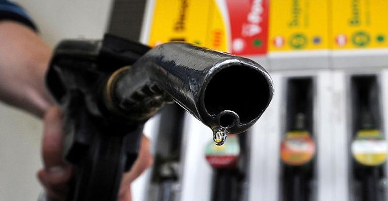 कर्नाटकमध्ये महाराष्ट्रापेक्षा 9 रुपयांनी पेट्रोल स्वस्त !