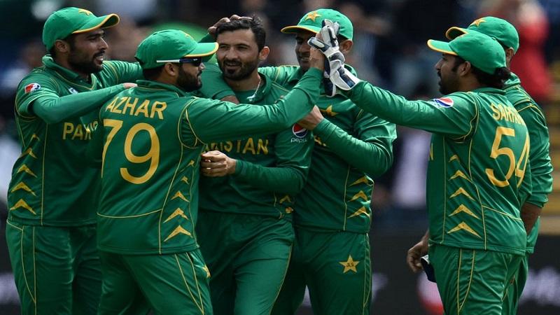 पाकिस्तानची चॅम्पियन्स ट्राॅफीच्या फायनलमध्ये धडक
