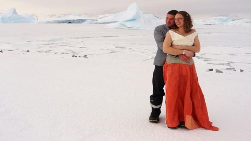 अंटार्टिकात झालं अनोखं शुभमंगल