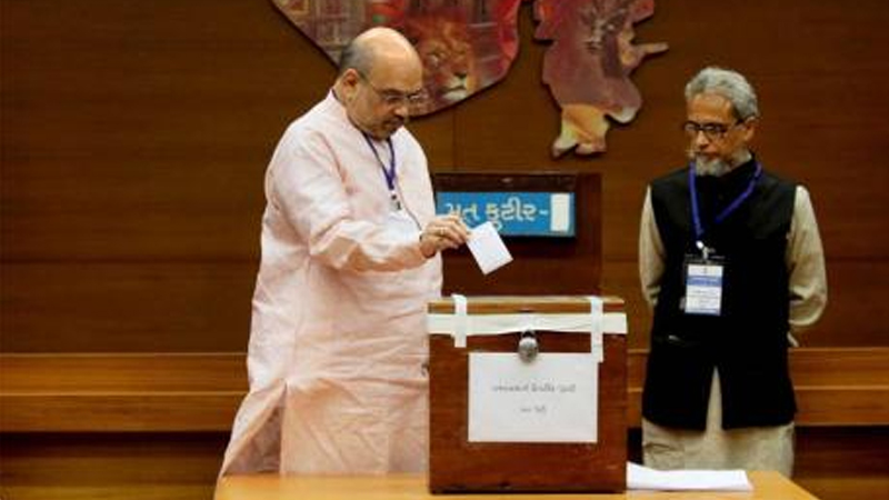 गुजरात राज्यसभा निवडणुकीत हायहोल्टेज ड्रामा, भाजप-काँग्रेसची निवडणूक आयोगाकडे धाव