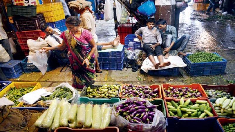 एपीएमसीत भाज्या झाल्या स्वस्त