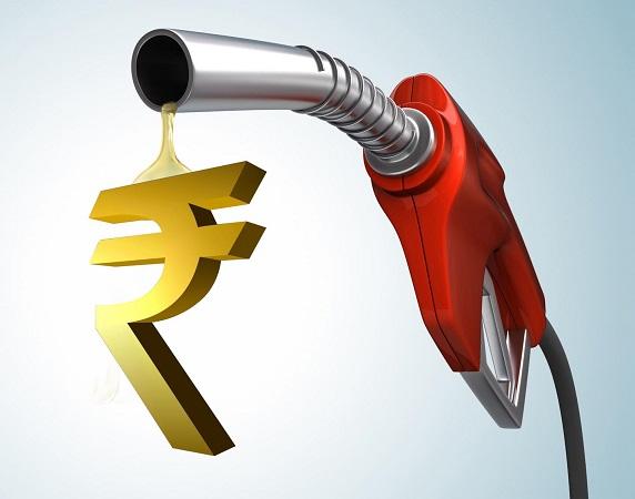 महाराष्ट्रात पेट्रोल दरवाढीचा भडका ; 2 महिन्यात 5 रूपयांनी महागलं !