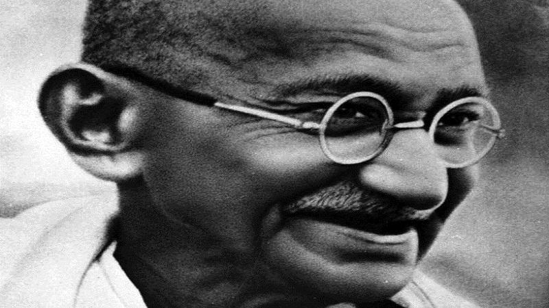 महात्मा गांधींचा पुळका का येतोय?
