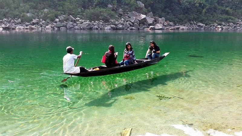 काचेसारखी पारदर्शक आहे भारतातली ही नदी !