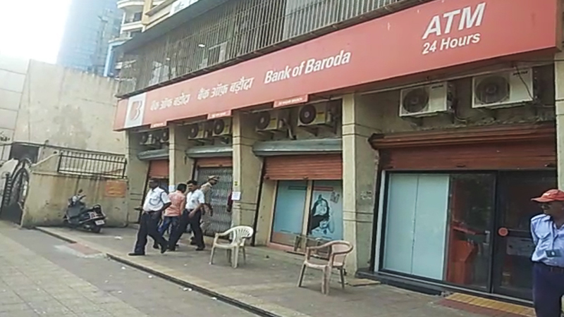 नवी मुंबईतील भूयार खोदून बँक लुटणाऱ्या 11 आरोपींना अखेर अटक