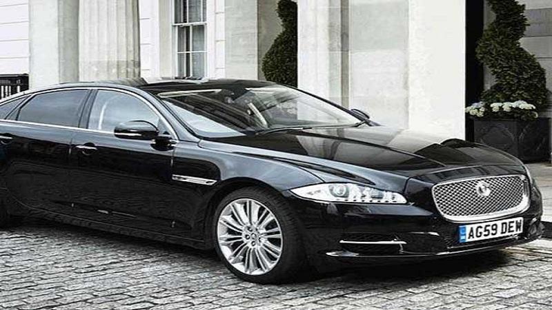 ब्रिटन - ब्रिटनच्या पंतप्रधान थेरेसा मे या 'जग्वार XJ सेंटिनेट' या कारने प्रवास करतात.