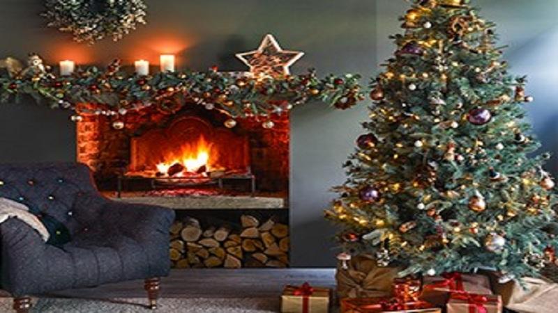 आज सगळीकडे ख्रिसमसचा उत्साह