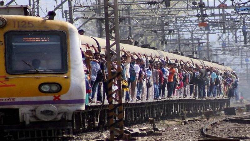 अॅलर्ट - मुंबईच्या तिन्ही रेल्वेमार्गांवर आज मेगाब्लॉक