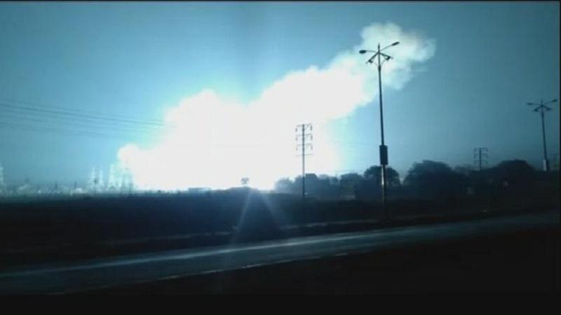 वरोरा आगीपासून थोडक्यात बचावलं; वीजकेंद्रातील आगीमुळे 35 गावांचा पुरवठा ठप्प