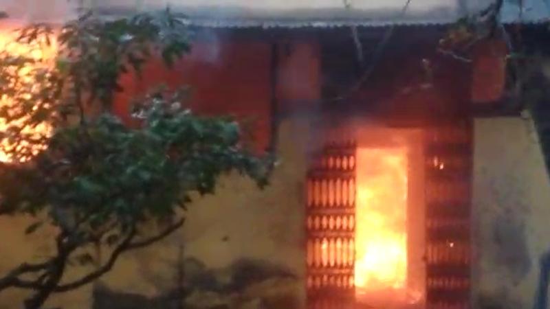 अमरावती : विदर्भ पाटबंधारे मंडळाची रेकॉर्ड रूम जळून खाक, आग लागली की लावली ?