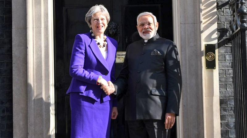 ब्रिटन सोलर अलायन्सचा सदस्य, पंतप्रधान मोदींनी घेतली थेरेसा मे यांची भेट