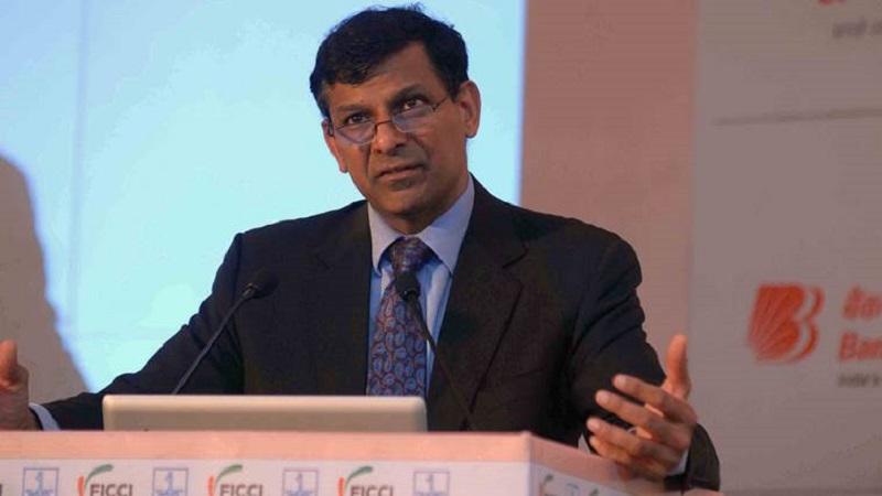 नोटाबंदी आणि जीएसटीमुळे अर्थव्यवस्था कोलमडली : रघुराम राजन