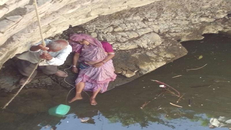 पाणी भरताना पाय घसरल्याने विहिरीत पडून 70 वर्षीय महिलेचा मृत्यू