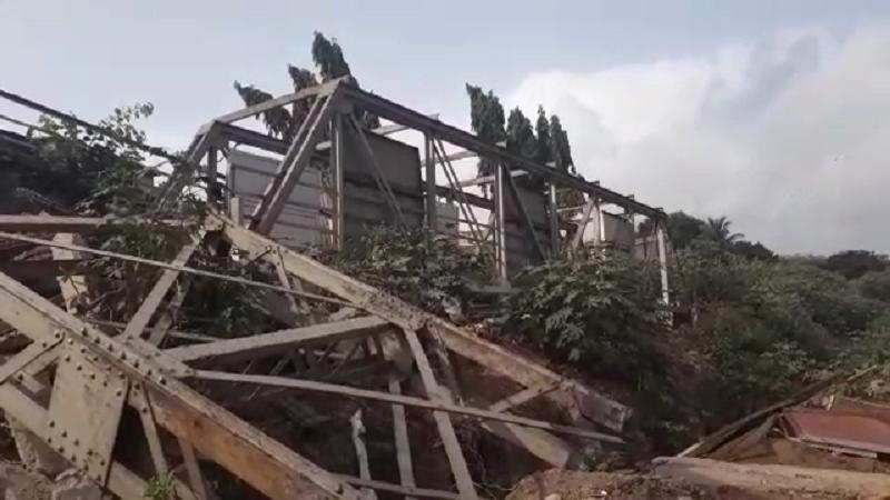 साडेपाच तासात सायन आणि कुर्ला दरम्यानचा जुना पूल तोडण्याचं काम पूर्ण