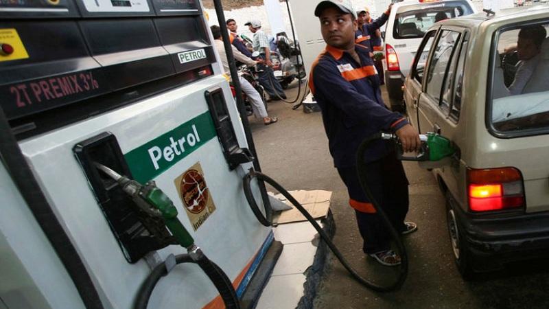 पेट्रोल- डिझेलचे भाव वाढता वाढता वाढे...