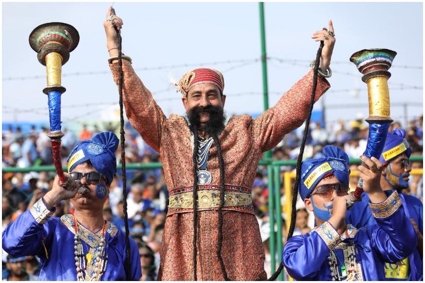 'मुंछे हो तो..',राजस्थान राॅयलच्या 'या' चाहत्यासारखी !
