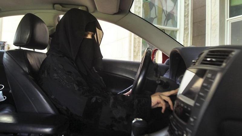 सौदी महिलांसाठी आजचा दिवस ऐतिहासिक, दशकांपासूनची ड्रायव्हिंगवरची बंदी उठवली
