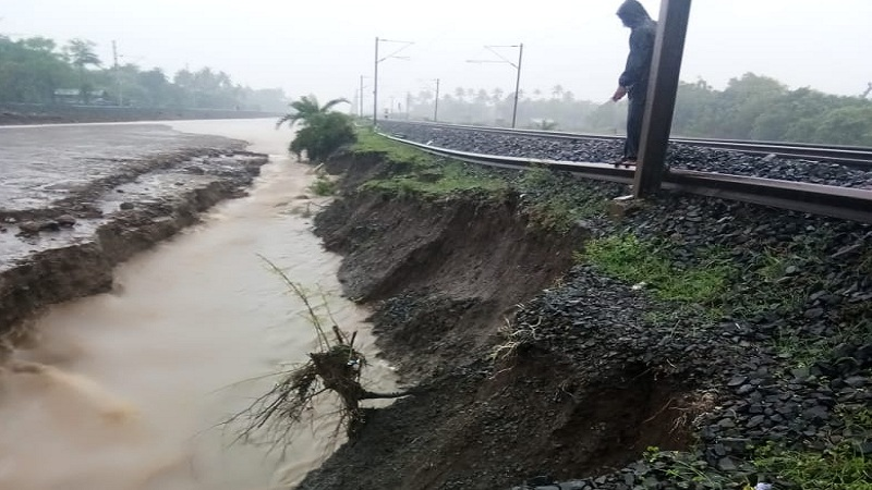 सकाळच्या तुलनेत मुंबईत पावसाचा जोर ओसरला