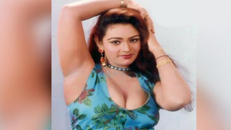 दाक्षिणात्य अभिनेत्री शकिलावर बायोपिक बनतंय. बोल्ड आणि ब्युटिफुल अशी शकिला साकारतेय अभिनेत्री ऋचा छड्डा. शकिलानं नुकतीच टाईम्स आॅफ इंडियाला मुलाखत दिली.