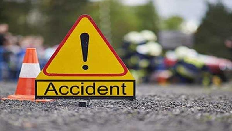 मुंबई-अहमदाबाद हायवेवर भीषण अपघात; तिघांचा जागीच मृत्यू