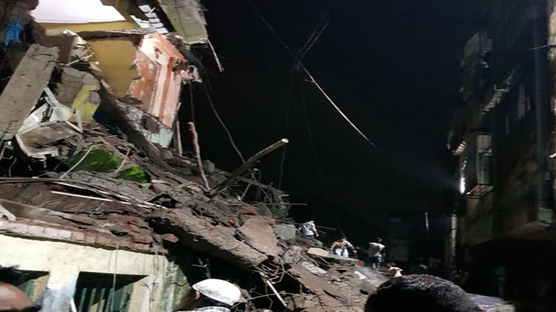 भिवंडी इमारत दुर्घटना : 9 वर्षांच्या चिमुरड्यासह पाच जणांना वाचवलं