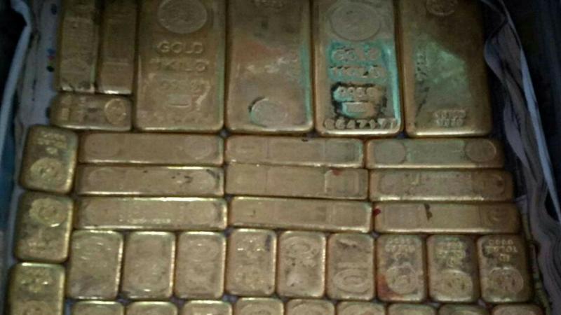 आयकर विभागाच्या छाप्यात हाती लागलं 100 किलो सोनं, समोर आले PHOTOS