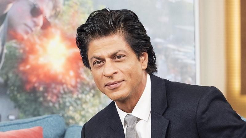 शाहरुख खानने 'मीर फाउंडेशन' या संस्थेमार्फत पूर पिडितांना 21 लाख रुपये डोनेट केले आहेत.