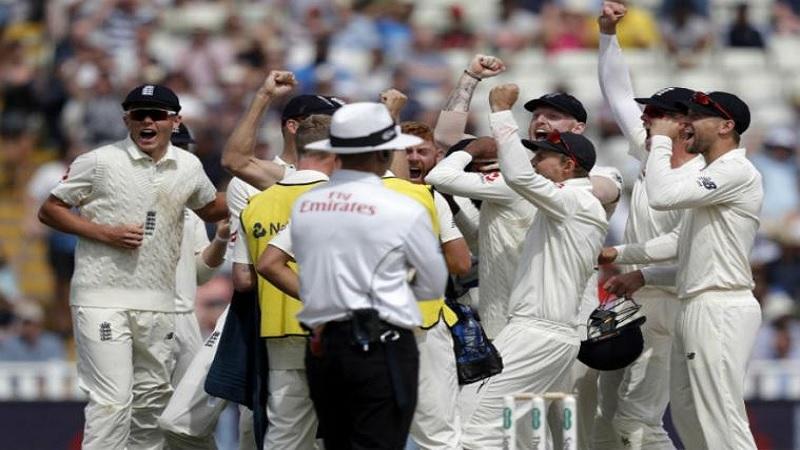 इंग्लंडविरुद्ध खेळण्यात येणाऱ्या दुसऱ्या कसोटी सामन्याच्या पाचव्याच बॉलवर भारतीय संघाला मोठा धक्का बसला