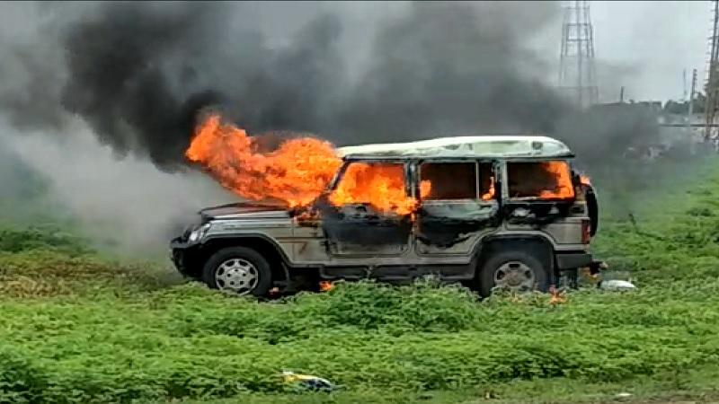 Maharashtra Band : महाराष्ट्र बंदला जाळपोळ,तोडफोडीचे गालबोट !