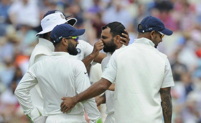 अनेकदा मैदानात अशा काही घटना होतात की, क्रिकेटपेक्षा त्या घटनेचीच चर्चा अधिक होते. असंच काहीसं भारत आणि इंग्लंड सामन्यात झाले.