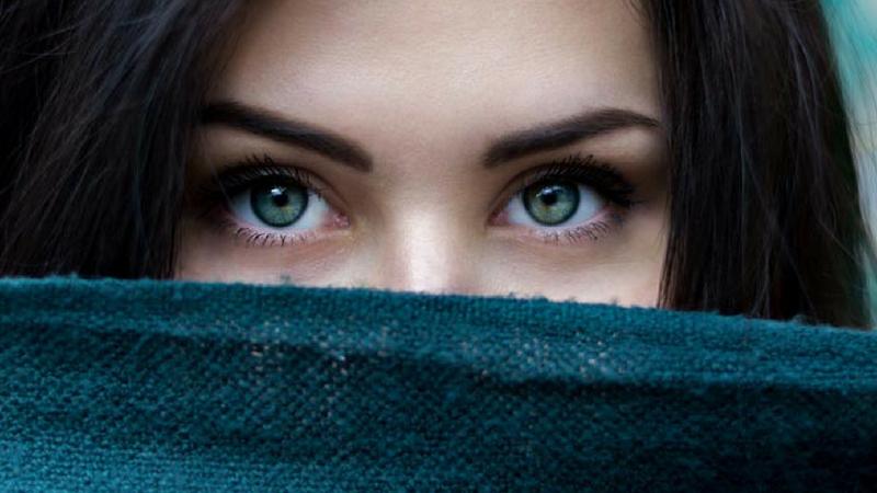 तिच्या डोळ्यात तुमच्यासाठी प्रेम न दिसणं