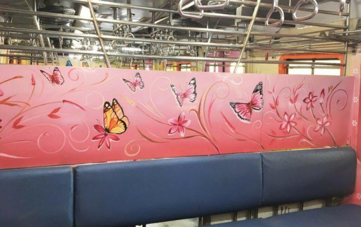 सध्या हे डबे रेल्वेच्या माटुंगा येथील वर्कशॉपमध्ये रंगवण्यात येत आहेत.