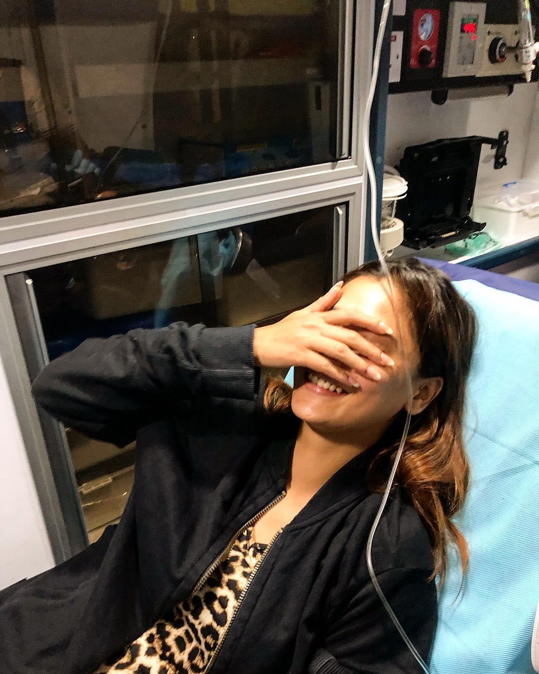 काही दिवसांपुर्वी 6 ऑगस्टला तिला फुड पॉयझन झाला होता. त्यावेळी तिला दुबईमध्ये रुग्णालयात भरती करण्यात आलं होतं.