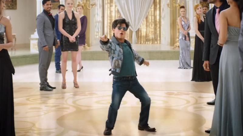 सध्या किंग खान झिरो सिनेमाच्या शूटिंगमध्ये बिझी आहे. सिनेमात शाहरूख बुटका बनलाय. त्याच्या सोबत कतरिना आणि अनुष्काही आहेत.
