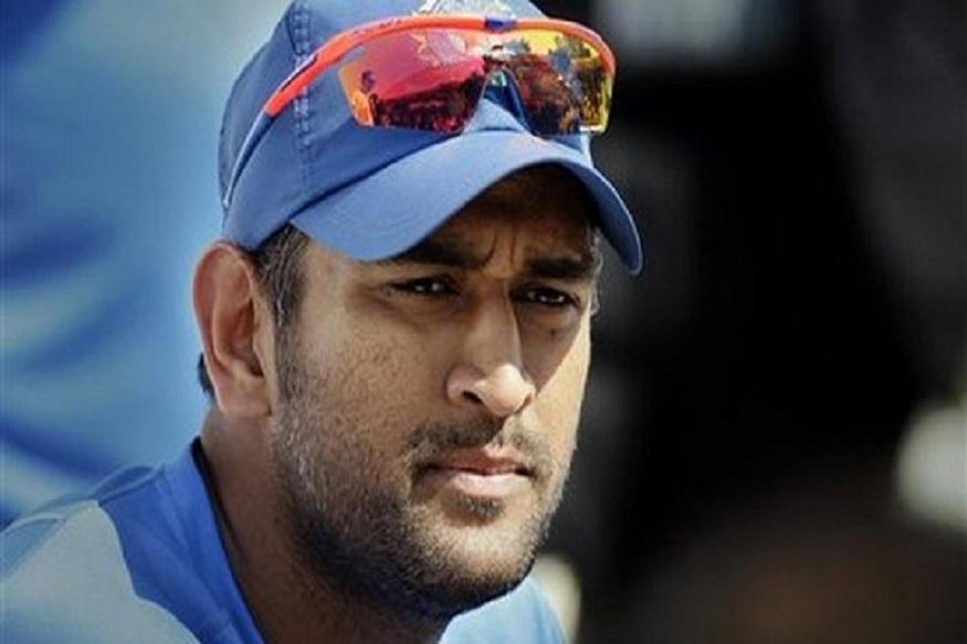 आता जर धोनीच चौथ्या नंबरवर खेळला तर मग बेस्ट फिनीश कोण करणार? हा प्रश्न आता क्रिकेट प्रेमींच्या मनात निर्माण झालाय.