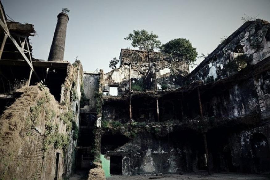 PHOTOS : मुंबईकर 'या' सात ठिकाणी जायला घाबरतात!