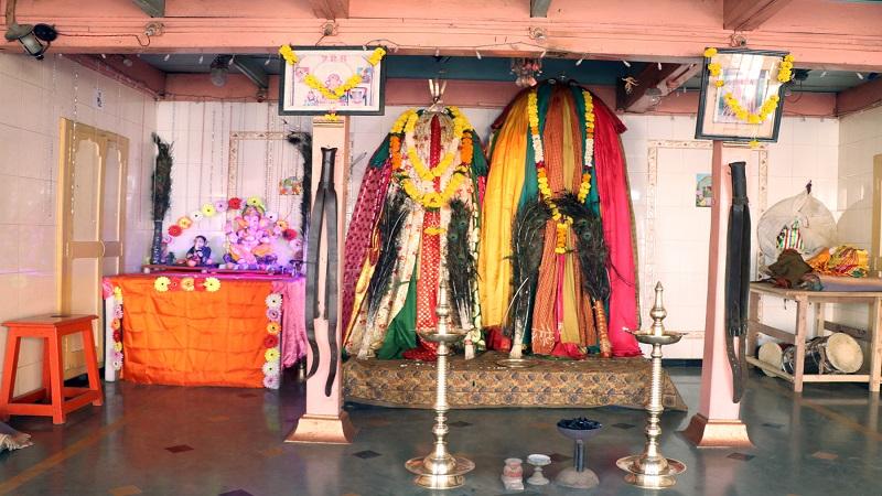 कुरुंदवाडच्या पाच मशिदीत गणरायाची स्थापना, 'पूजा' आणि 'इबादत' एकाच ठिकाणी!