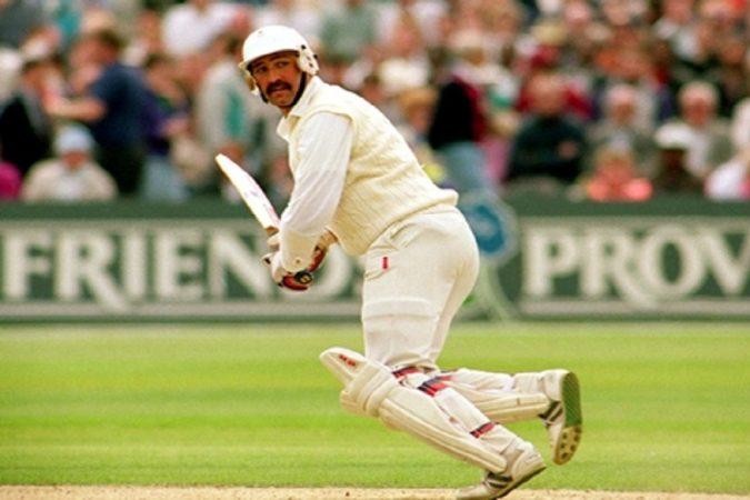 १९९० मध्ये इंग्लंडच्या ग्रॅहम गूचने तीन कसोटीत ७५२ धावा करून सर्वाधीक धावा करण्याचा विक्रम आपल्या नावे केला होता.