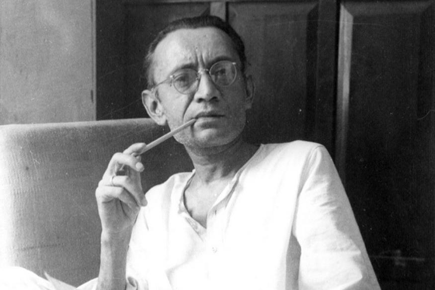 सआदत हसन मंटो यांचा हा खरा फोटो. मंटो यांनी सुरुवातीच्या काळात - फाळणीपूर्वी मुंबईत अनेक तत्कालीन फिल्म स्टुडिओंसाठी काम केलं. अशोक कुमार, बेबी नर्गिस यांच्याशी त्यांची खास मैत्री होती.