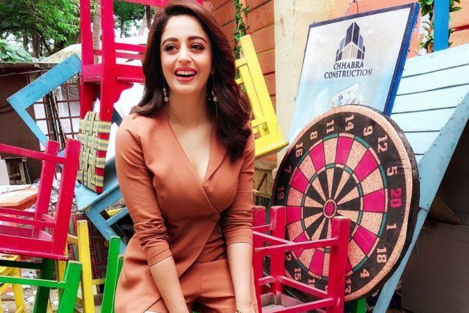 अभिनेत्री नेहा पेंडसे हे नाव महाराष्ट्राला काही नवं नाही. लवकरच नेहा बिग बॉस १२ मध्ये स्पर्धक म्हणून दिसणार आहे.