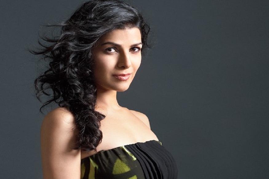 द लंचबॉक्समध्ये इरफान खानसोबत काम केल्यानंतर ती अक्षय कुमारच्या एअरलिफ्ट या चित्रपटात झळकली.