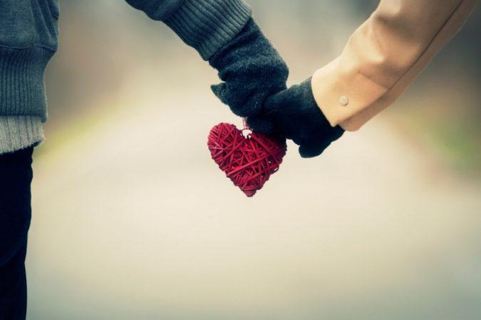 फक्त एकमेकांसोबतच नाही तर एकमेकांच्या कुटुंबियांवरही तेवढंच प्रेम करा.