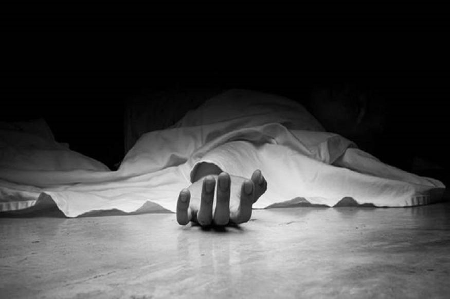 सात जन्माचं नात शुल्लक वादातून संपलं, पतीने कुऱ्हाडीने घाव घालून पत्नीची केली हत्या