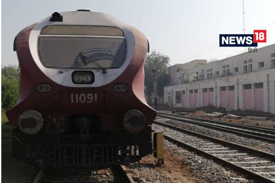 या ट्रेनच्या बोगीवर जालंधर असं लिहिलेलं आहे. ही ट्रेन दररोज जालंधर आणि अमृतसरच्या दरम्यान धावते. नोकरदार, खरेदीसाठी जाणारे व्यापारी या ट्रेनने नेहमी जात असतात. आता या गाडीला कायमचा डाग लागलाय.