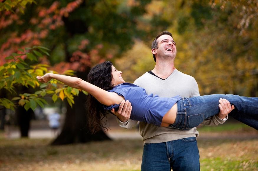एका व्यक्तीसोबत संपूर्ण आयुष्य घालवायचे आहे. त्यामुळे लग्नानंतर दोघांच्याही जबाबदाऱ्यांमध्ये वाढ होणार याची मानसिक तयारी ठेवा.