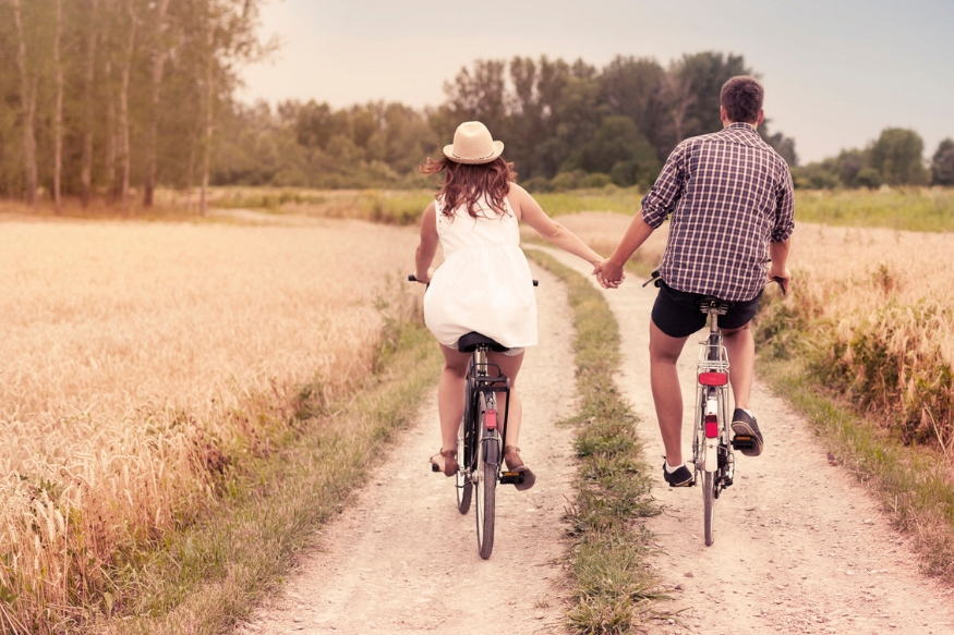 तुमचं लग्न किती यशस्वी होईल ही गोष्टी भविष्यात होणाऱ्या बदलांनासाठी तुम्ही मानसिकरित्या किती तयार आहात यावर अवलंबून असते. चला तर मग जाणून घेऊ लग्नापूर्वी नक्की विचार कराव्या अशा ५ गोष्टी.